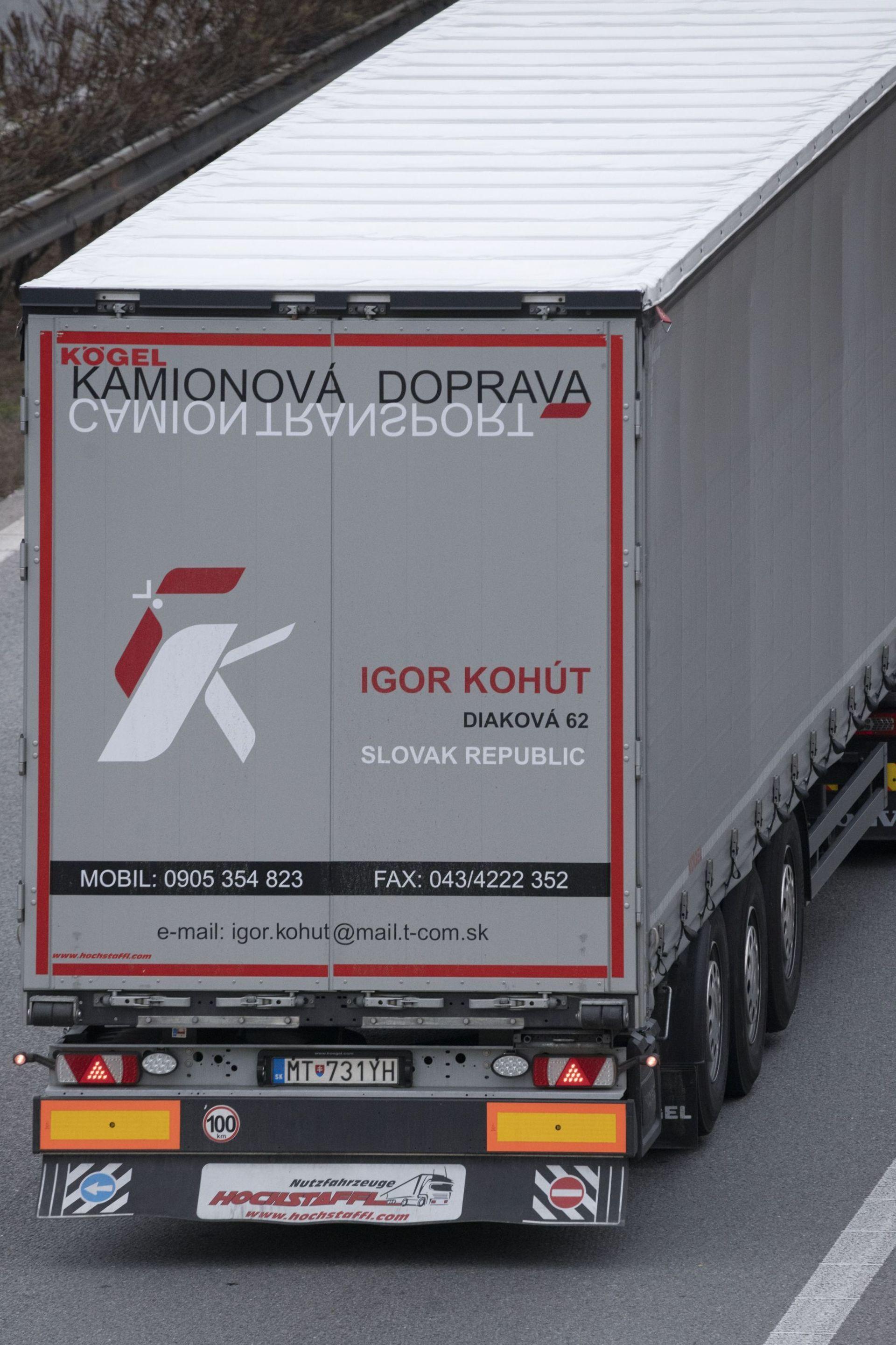 Truck_2b.jpg
