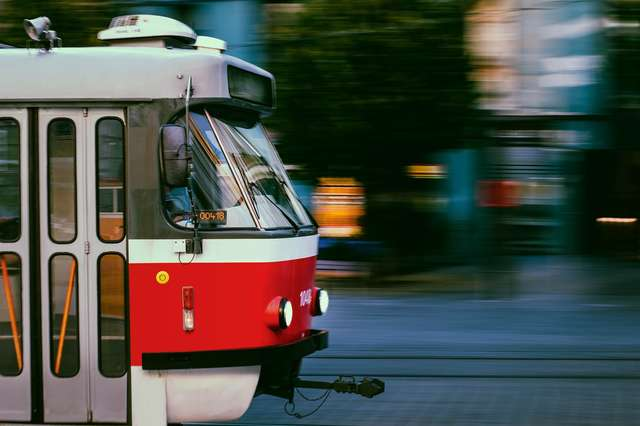 the-tram-4298730_1920.jpg