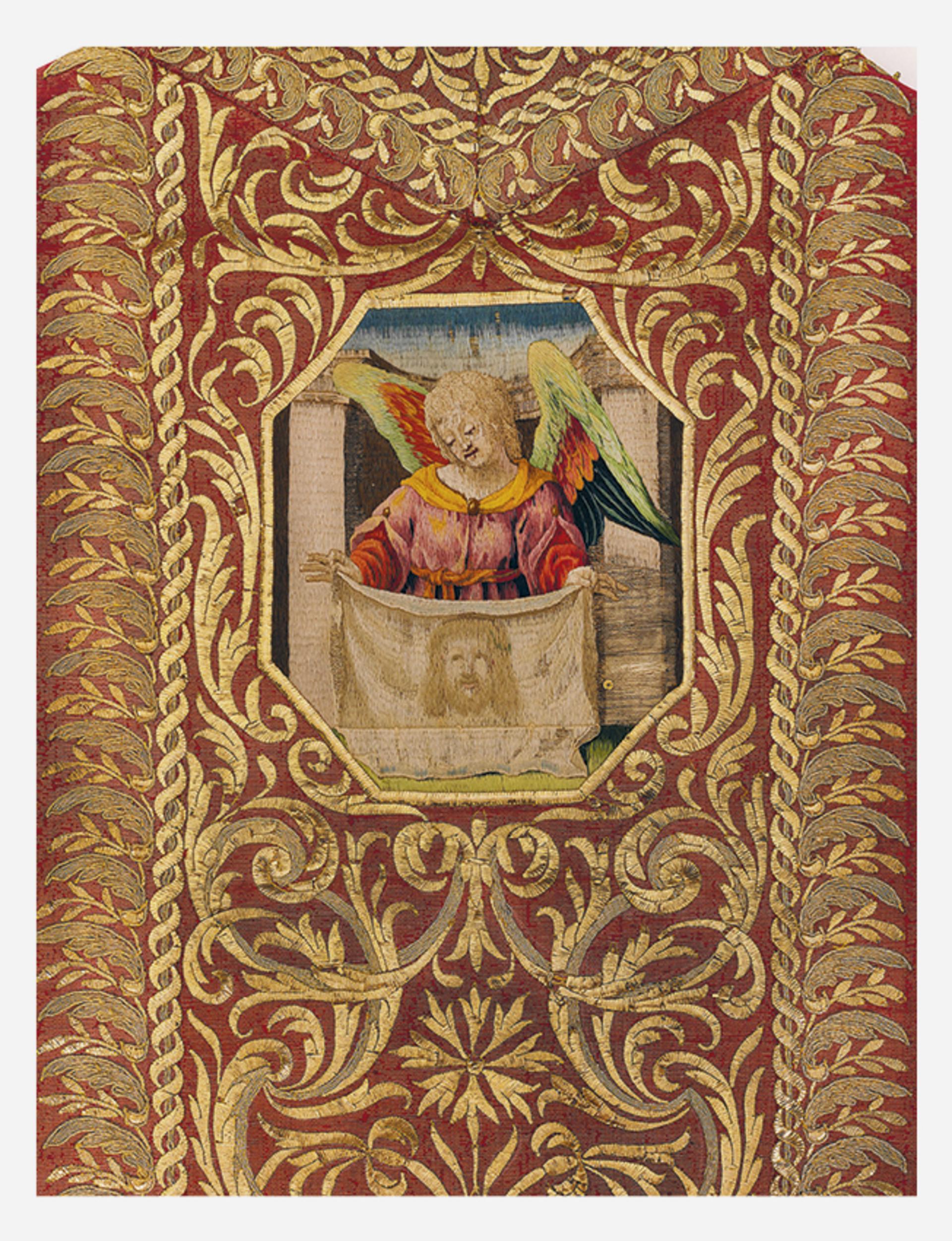 liturgicka roucha.jpg