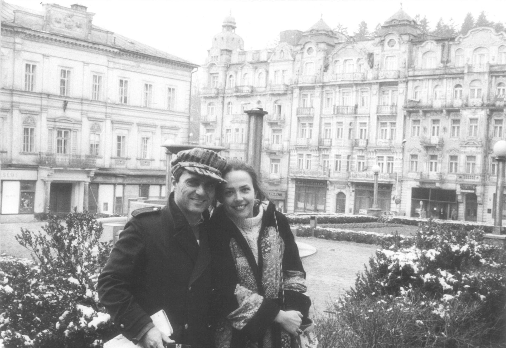 Helena Kontova a Giancarlo Politi v Marianskych Laznich, jaro 1977a.jpg