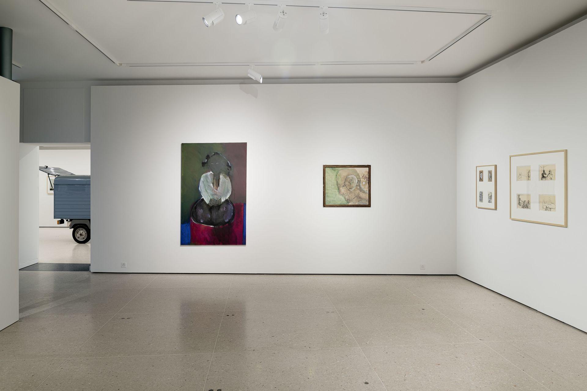 ZuZug aus Osteuropa_Positionen der Sammlung Ausstellungsansicht mit Werken von Tomas Kratky und Roman Signer. Foto©Jorit Aust 2021.jpg